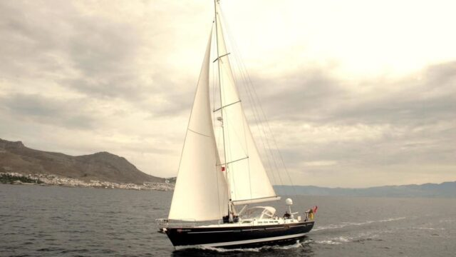 Best Sailboats to Live On
