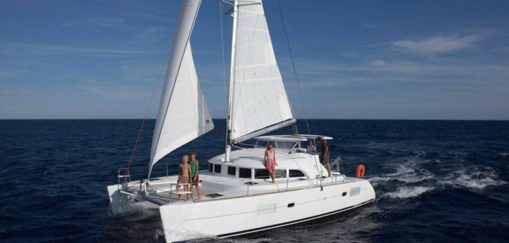 Lagoon 380 - Catamaran Under 40 Feet